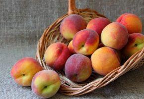 fresh Ontario peaches
